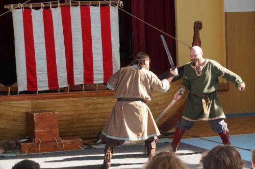 Pernštejni - Vikingové 101