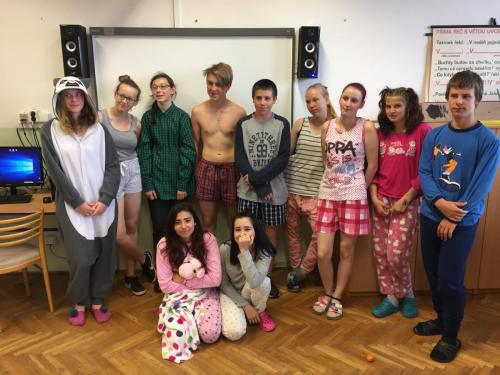 Pyžamový den (10)
